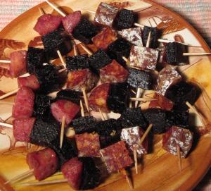 currant & sausage pinchos