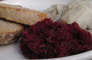 beet-apple relish